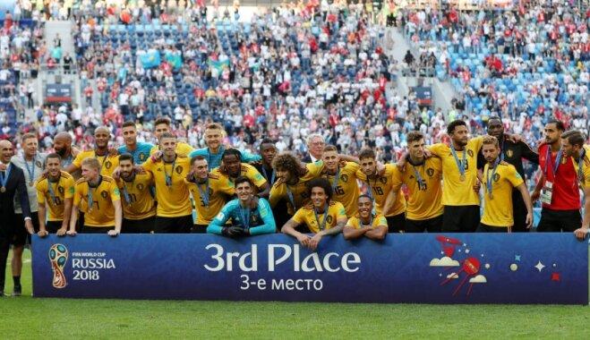 ФОТО: Бельгийские футболисты получают бронзовые медали ЧМ-2018