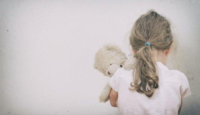Sociālo un darba lietu komisija: joprojām daudz darāmā, lai visi bērni varētu augt ģimeniskā vidē