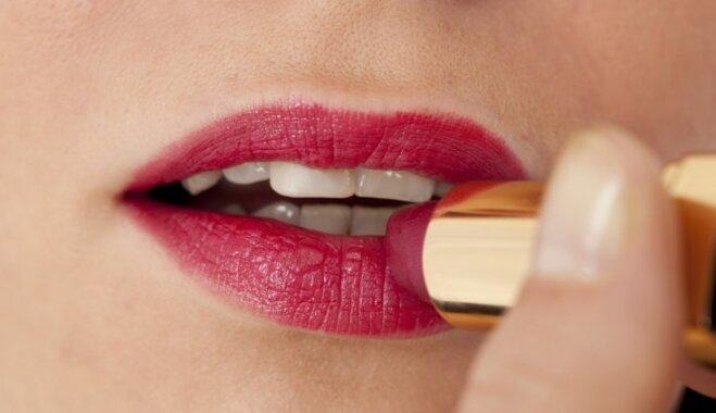 Noturīgam un žilbinošam skatam: vērtīgi padomi lūpu krāsas uzklāšanā un izvēlē