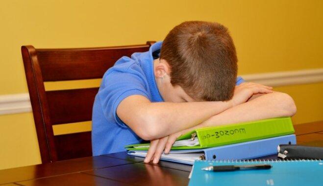 Sašutusi māte vāc parakstus, lai skolēniem atceltu mājasdarbus nedēļas nogalēs