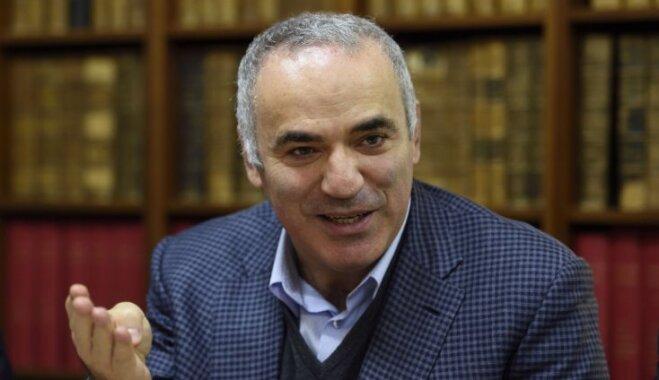 Каспаров призвал лишить Путина славы и бойкотировать ЧМ-2018 по футболу