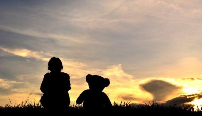 Pāragri zaudējot vīru un tēti – pieredzes stāsti un programmas 'Kalniem pāri' iespējas