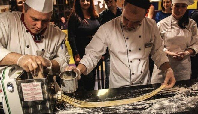Rīgā pagatavoti 45 metrus gari spageti