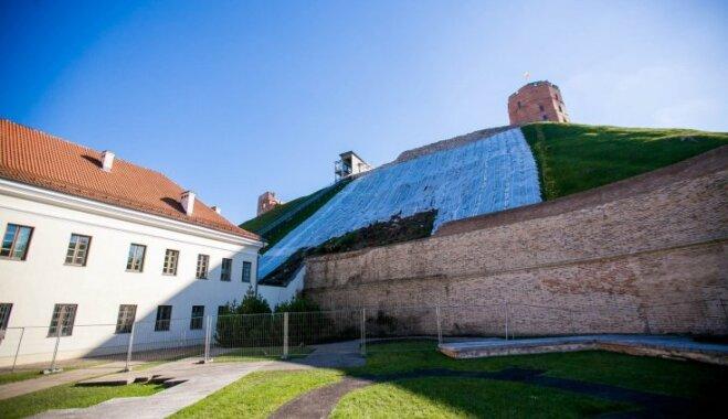 В Вильнюсе для посетителей вновь открывают гору Гедиминаса