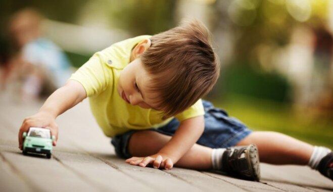 Sešas bīstamas bērna uzvedības formas, kuras nedrīkst palaist pašplūsmā