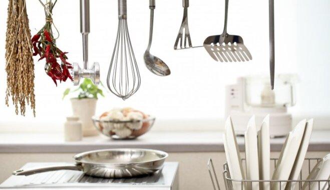 Pieci tīrīšanas noslēpumi, lai virtuve vienmēr spīd un laistās