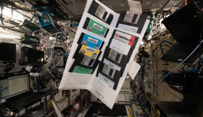 На МКС нашлись старые дискеты. Их оставил первый экипаж станции