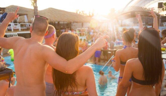 Лучшие пляжи, вечеринки, экскурсии — на какой из 20 островов Средиземного моря поехать в отпуск?