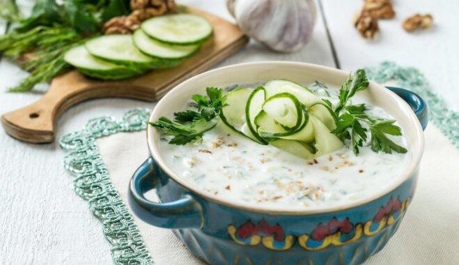 """Освежающие """"белые"""" холодные супы для жарких дней"""