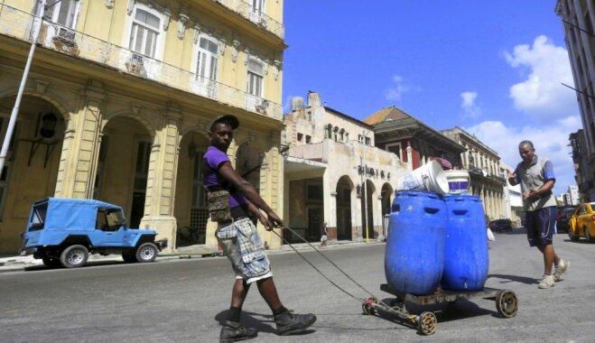 """""""Похмелья здесь не бывает"""". Ром рекой, интернет по талонам и воздух свободы: чем живет Куба"""