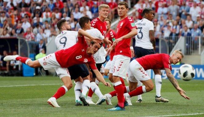 Dānijas un Francijas futbolisti nospēlē nepieciešamo neizšķirtu