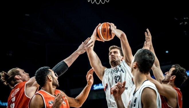 Serbija ar negribīgu uzvaru pār Ungāriju iekļūst 'Eurobasket' ceturtdaļfinālā