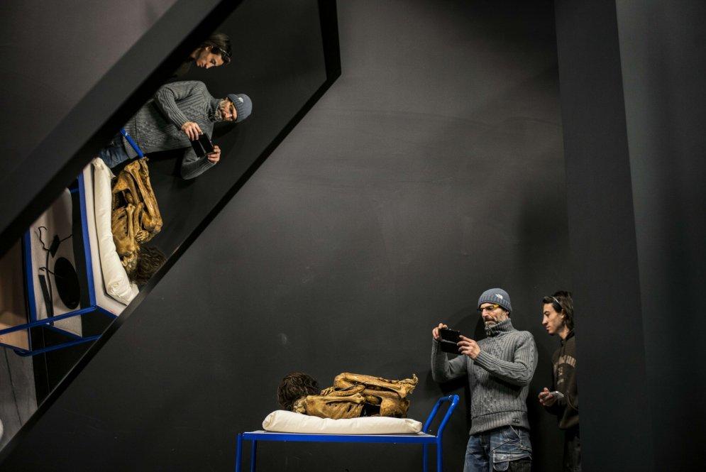 Apskatei izlikta mūmija, kas pavadījusi 1000 gadus saritinājusies