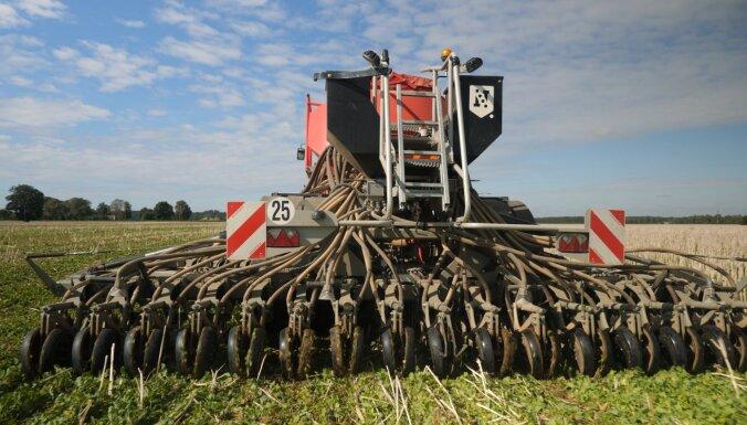 Cita veida domāšana lauksaimniecībā: auglīga augsne bez uzaršanas un minerālmēsliem