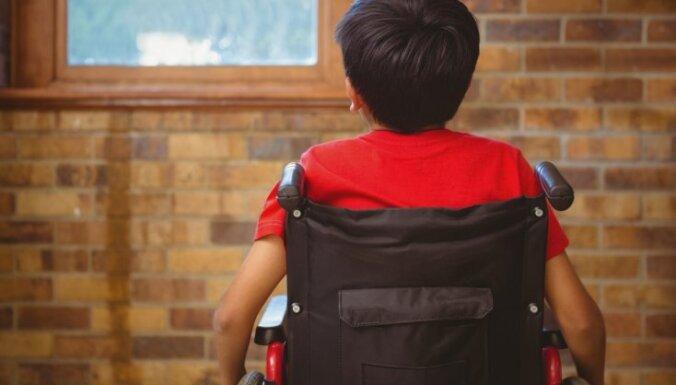 Izdod grāmatu 'Iespējamās tikšanās', kas stāsta par cilvēku ar invaliditāti dzīvi