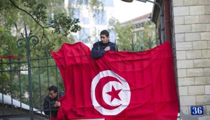 Правительство Туниса впервые возглавила женщина