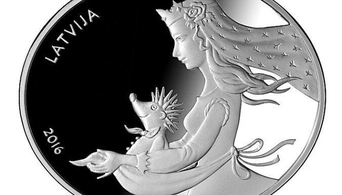 """ФОТО: """"Земля"""" или """"Ежовая шубка""""? Банк Латвии выбирает монету года"""