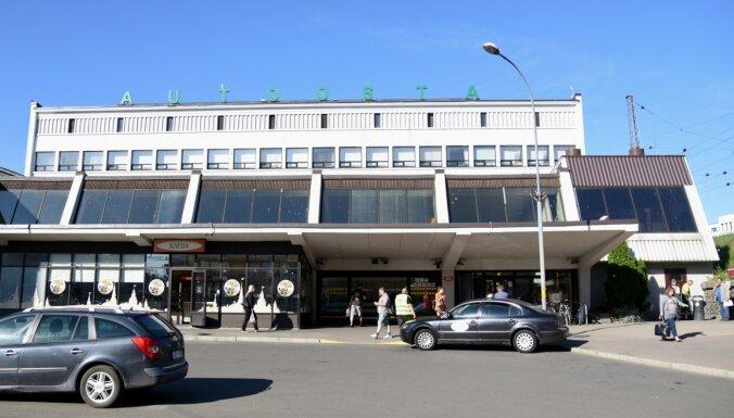 Ar Covid-19 inficētais braucis autobusā no Alsviķiem līdz Rīgai