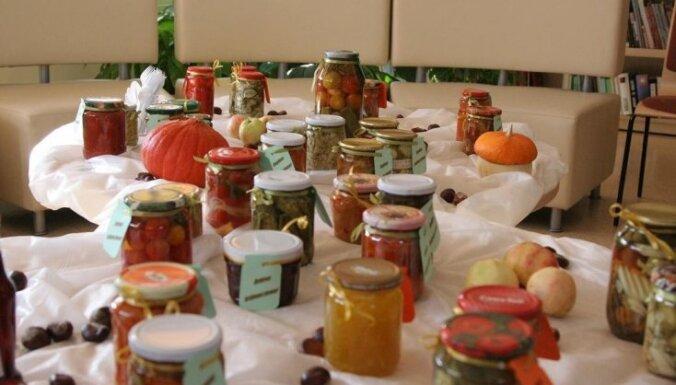 Даугавпилс: Выставку солений съели за полчаса
