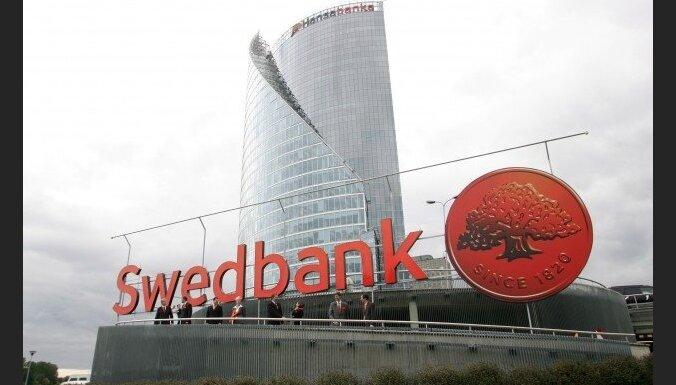 Laikraksts: Krājbankas krīzes lielākā ieguvēja pagaidām 'Swedbank'