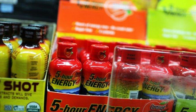 Saeimā konceptuāls atbalsts enerģijas dzērienu pārdošanas aizliegumam jauniešiem līdz 18 gadiem