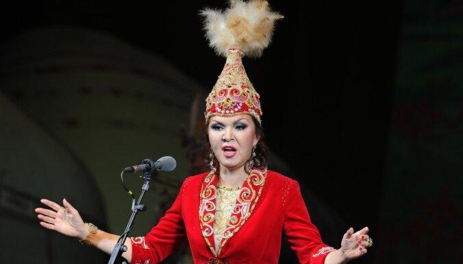 Президент Казахстана снял дочь Назарбаева с поста спикера сената