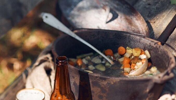 Zivju zupa ar pākšu pupiņām un fenheli