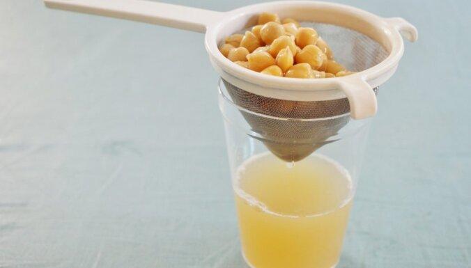 Saldais eksperiments: kā no konservēto zirņu šķidruma pagatavot bezē