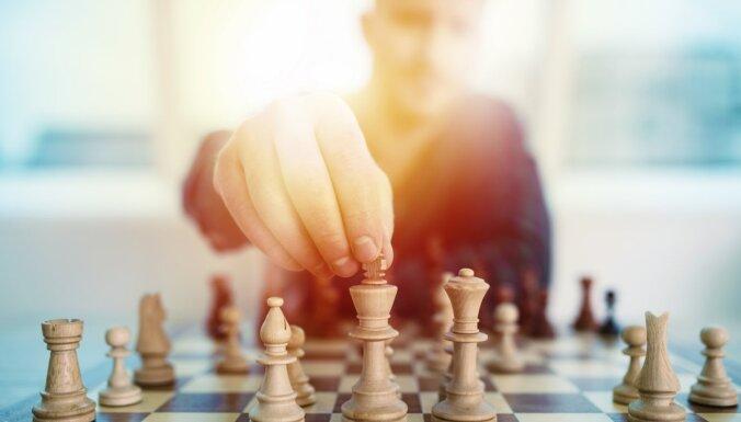 Сбой шахматной короны. Россия разделила с Индией победу на олимпиаде из-за проблем с интернетом