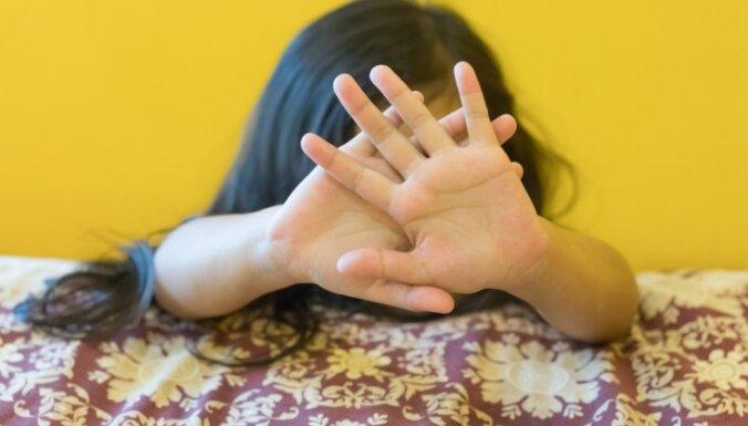 Каждый пятый школьник в Латвии еженедельно страдает от школьного насилия