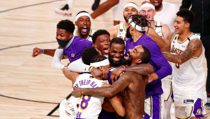 'Lakers' sestajā finālspēlē izcīna vēsturisku NBA čempionu titulu