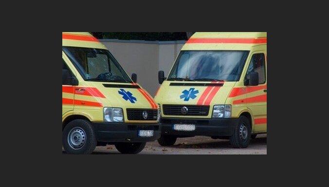 """В Риге ирландцы напали на бригаду """"скорой помощи"""": врачей начнут страховать"""