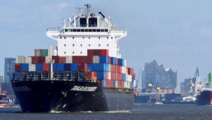 Pandēmijas dēļ jūras konteineru pārvadājumu cenas sasniegušas rekordaugstu līmeni