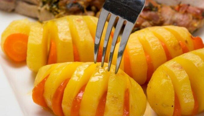 Tītara cepetis ar strīpainajiem burkānkartupeļiem