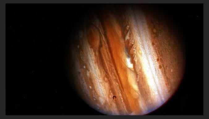 'Kosmētisko remontu' piedzīvo, iespējams, nozīmīgākais jebkad uzņemtais Zemes attēls