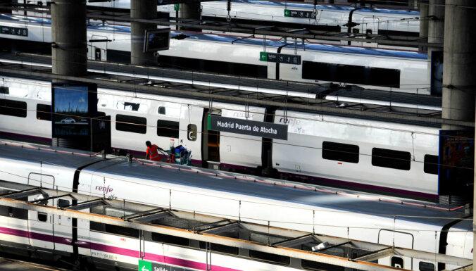 Spridzināšanas draudu dēļ evakuē Madrides un Barselonas stacijas
