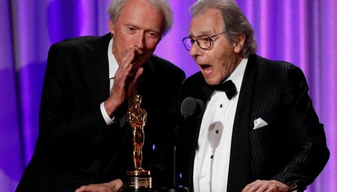 Klints Īstvuds atklāj, kāpēc 91 gada vecumā joprojām filmējas kino