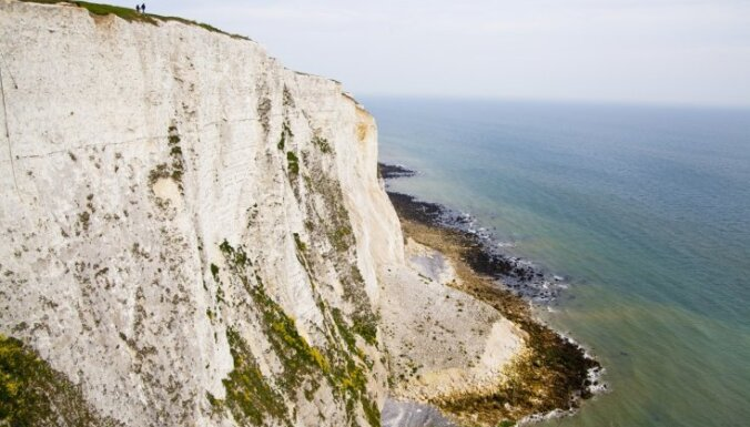 10 dramatiskākās klintis jūras krastos