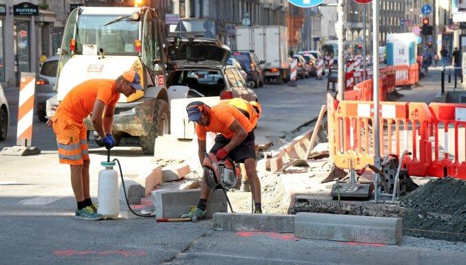 Миссия невыполнима. Как проехать через центр Риги, если закрыты две улицы?
