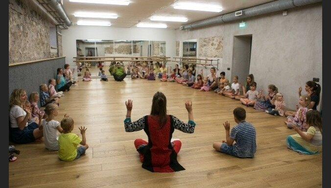 'LNSO vasarnīcā' – bērnu muzikālās izrādes 'Vējš vītolos' pirmizrāde