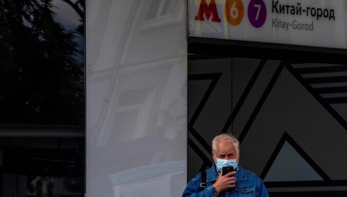 Covid-19: Maskaviešiem, kuri vecāki par 65, ieteikts palikt mājās