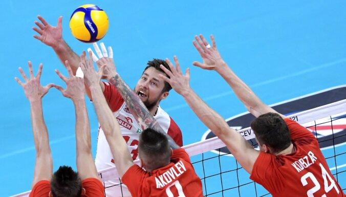 Polijas un Serbijas volejbolisti iekļūst EČ pusfinālā