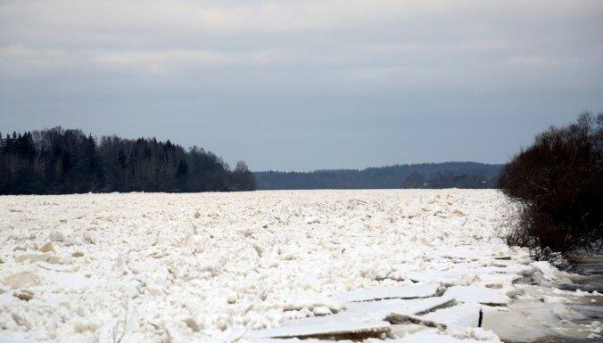 Arī Pļaviņu pasargāšanai no plūdiem apsver ledus spridzināšanu