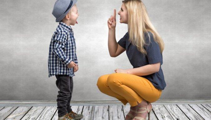 Efektīvāk par kliegšanu – frāzes bērna uzvedības koriģēšanai