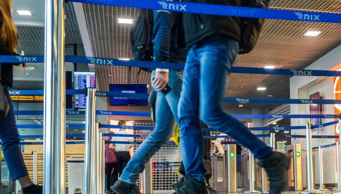Пассажиры в Рижском аэропорту должны будут находиться в масках, им будут измерять температуру