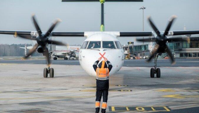 """ЧП в аэропорту """"Рига"""": самолет airBaltic серьезно повредил крыло (ДОПОЛНЕНО)"""