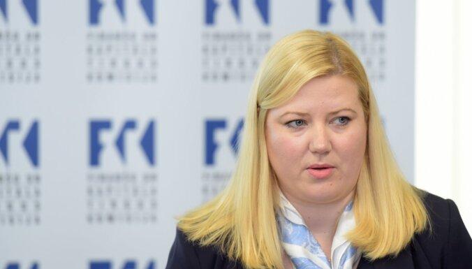 Apstiprināšanai FKTK padomes locekļa amatā virza Černaju-Mežmali