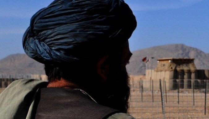 Талибы атаковали базу НАТО: погибли 12 человек
