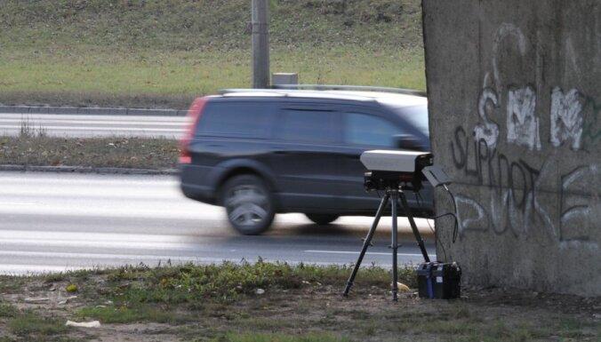 Pēc fotoradaru izvietošanas policija novēro autovadītāju disciplinētāku braukšanu