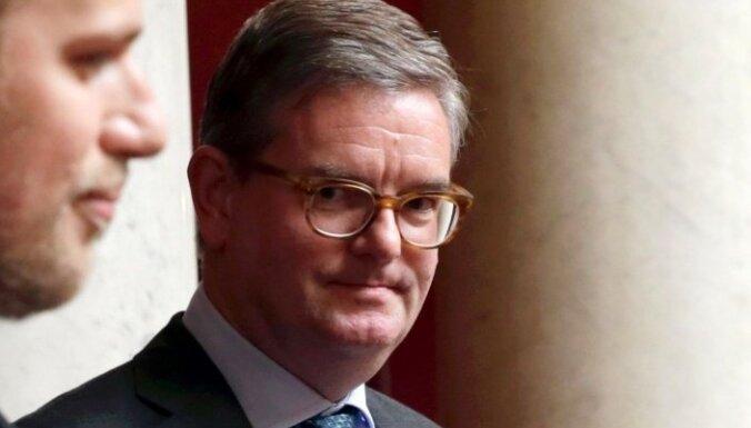 Lielbritānijas ES komisāra amatam nominē vēstnieku Francijā